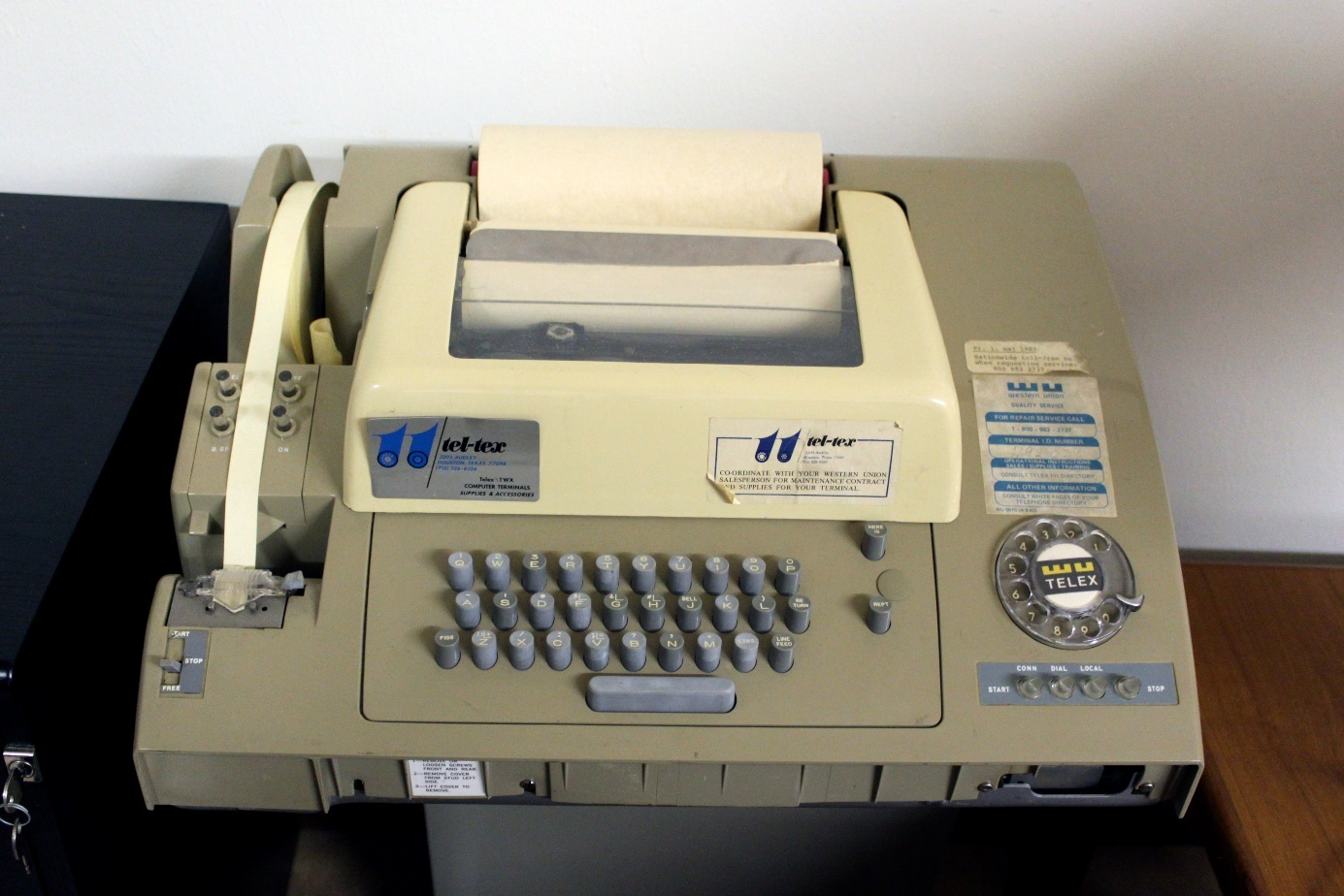 C:\Users\flobo\OneDrive\MSFTStory\Historique\Partie 2\Telex_machine_ASR-32.jpg