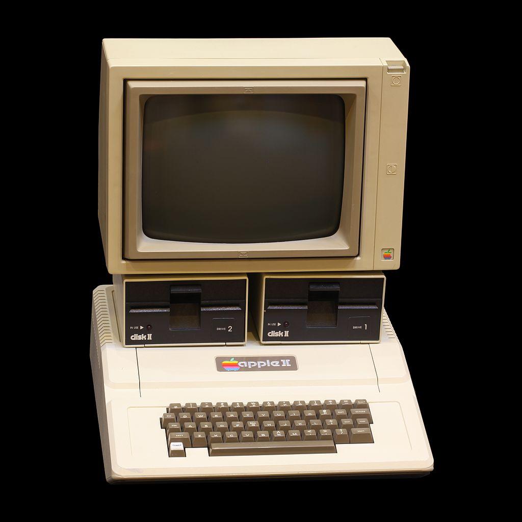 C:\Users\Florian\OneDrive\MSFTStory\Partie 2\1024px-Apple_II_IMG_4212.jpg